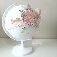 Diy Crafts For Girls, Diy Home Crafts, Diy Craft Projects, Globe Art, Globe Decor, Pop Up Flower Cards, Painted Globe, Globe Crafts, World Globes