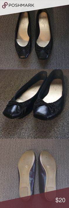 Jessica Simpson Leve Flats Great condition ballet flats by Jessica Simpson. Square toe with bow. These shoes are adorable and comfortable! Jessica Simpson Shoes Flats & Loafers