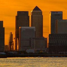 How cool is this the Cheese grater building standing side by side with canary wharf buildings…