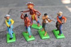 Britains Ltd. Cowboys and Indians Action Figures 1971 DEETAIL.