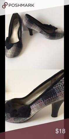 Vintage Style Plaid Heels Cute vintage style plaid heels with velvet bow. Great condition, size 7. MIA Shoes Heels