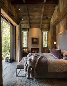 Lo de vivir en un rancho, o en medio de un bosque y en una casa de madera, aquí en nuestro país no es muy habitual y una pena porque en otros lugares hay cada espectáculo… Bueno, sencillamente como el que da esta casa que vais a ver hoy. Es impresionante, y el entorno, de …