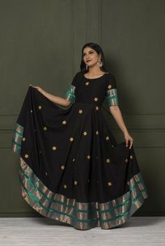 Stylish Dresses For Girls, Stylish Dress Designs, Dress Neck Designs, Kurti Neck Designs, Kurti Designs Party Wear, Designs For Dresses, Indian Gowns Dresses, Indian Fashion Dresses, Dress Indian Style