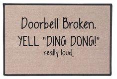 Le rôle d'un paillasson à l'entrée de chez soi n'est pas à négliger : c'est la première chose que l'on voit avant d'entrer chez vous et c'est un premier message que vous envoyez vers le monde. Affuble