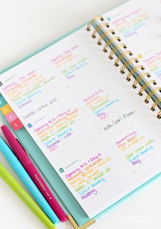 Organize your life with bullet journaling - a do-it-yourself life planner system thatallows you tocustomize and change your layouts as often as you'd like!