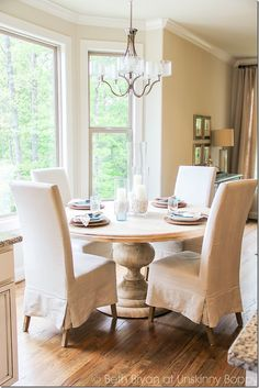 Awesome Outstanding Chic Kitchen Table That Will Make Your Home Look Fantastic. Decor, Interior, Chic Kitchen, Home, Dining Room Decor, Dining Room Inspiration, Trending Decor, Interior Design, Rustic Dining Room