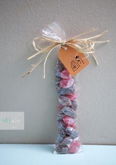 diy old fashioned wedding candy favor