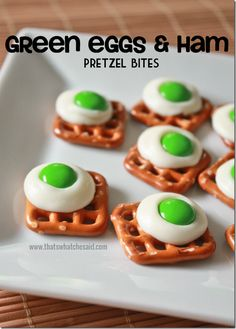 Seuss inspired Green Eggs and Ham Pretzel Bites! Easy cooking craft to do with your kids. Seuss inspired Green Eggs and Ham Pretzel Bites! Easy cooking craft to do with your kids. Dr. Seuss, Dr Seuss Week, Dr Seuss Snacks, Dr Seuss Activities, Preschool Snacks, Party Activities, Sequencing Activities, Preschool Ideas, Preschool Crafts