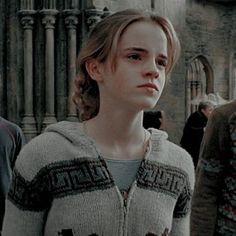 Harry Potter Girl, Harry Potter Hermione Granger, Mundo Harry Potter, Harry Potter Icons, Harry Potter Tumblr, Harry James Potter, Harry Potter Pictures, Harry Potter Cast, Harry Potter Universal