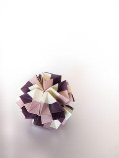 kusudama box (12 modulos Daniel Reutskiy)