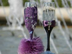 Make your toast unforgettable with these lovely champagne toasting flutes! Personalized wedding glasses hand made ( with ivory gray or white lace and rhinestones) , will be a perfect unusual wedding (ivory & silver wedding, classic wedding ) or a unique wedding gift. If you want to change the colors, please let me know. You have specific ideas for making your wedding unique, but you can not find anything like it before - let me know and we can make it happen together. All accessories are…