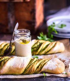 Ihanat valkosipuliset kierreleivät   Meillä kotona Kaneli, Falafel, Pretzel Bites, Pickles, Camembert Cheese, Cucumber, Dairy, Dinner, Cooking