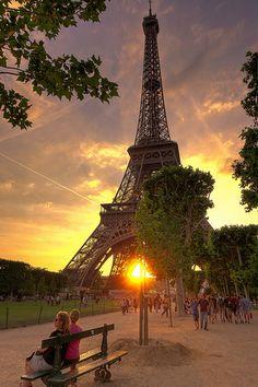 sunset bench in Paris