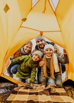 Searching for the perfect large family tent? One that's easy to set up quickly and fits a large family? Then this family camping tent buying guide is for you! babies flight hotel restaurant destinations ideas tips Best Family Camping Tents, Solo Camping, Camping Guide, Camping Games, Camping Checklist, Camping With Kids, Camping Equipment, Tent Camping, Camping Gear