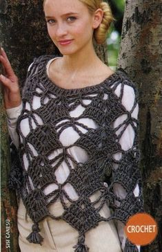 Knitting And Beading Wedding Bridal Accessories and Free pat.- Knitting And Beading Wedding Bridal Accessories and Free pattern: Free patterns … Knitting And Beading Wedding Bridal Accessories and Free pattern: Free patterns crochet poncho - Crochet Bolero, Poncho Au Crochet, Pull Crochet, Mode Crochet, Crochet Shawls And Wraps, Crochet Jacket, Crochet Scarves, Crochet Clothes, Crochet Top