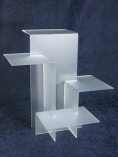 Multi-level display shelf