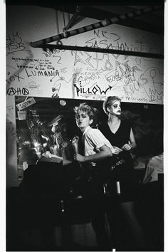 Madonna, The Beastie Boys The Clash Like You've Never Seen Them Before: Madonna's First-Ever Performance at Danceteria, c. doorman] Haoui Montaug had a cabaret once a month and he would pay you 20 bucks to perform. I think Madonna did 'Everybody. Madonna Rare, Madonna 80s, Beastie Boys, Club Kids, Tumblr, 80s Music, The Clash, Pop Singers, Show