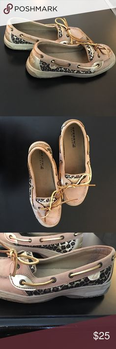 Leopard print sperry top-sider Signs of wear these are a size 5 in girls they fit me and I wear a 6or7 in women's shoes Sperry Shoes Flats & Loafers