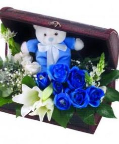 Photos Gifts Blue Bathroom D Cor Pink Roses On Light Blue Background . Beautiful Bouquet Of Flowers, Unique Flowers, Edible Flowers, Types Of Flowers, Blue Flowers, Buy Roses, Pink Roses, Personalized Sticky Notes, Blue Rose Bouquet
