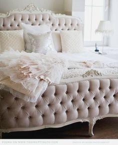 Gorgeous bed + colours
