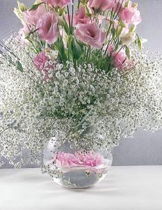 Pembe Lisyantus (Yuvarlak), masa çiçeği