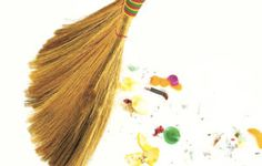 A dust-free house can keep allergies at bay and ensure a safe space to relax. New Years Superstitions, Tassel Necklace, Old Things, Cleaning, Allergies, Youtube, Sweet Tooth, Bucket, Relax