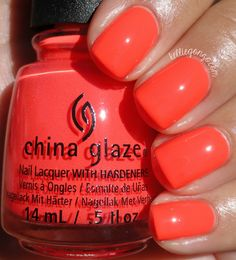 China Glaze - Read-Y to rave