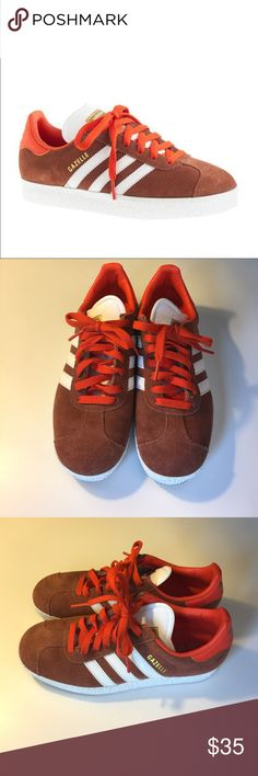 🍂Fall Fashion HP🍂 Adidas Gazelle for J.Crew Adidas Gazelle Sneakers. Size 6.5 Men's which is equivalent to an 8.5 Women's. Worn twice. Adidas Shoes Sneakers