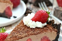 No-bake strawberry chocolate pie recipe