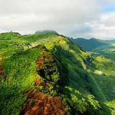 Kauai Haupu Ridge    A helicopter's view of Ha'upu Ridge.