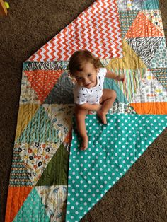 The triangle quilt How-to! -- i like the triangles instead of squares. it's a fun twist on a classic quilt!