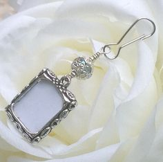 Wedding bouquet photo charm. Sparkly Bridal bouquet charm. Gift for the bride. Small picture frame for wedding flowers. Wedding keepsake.