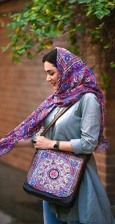 Iranian Beauty, Muslim Beauty, Iranian Women, Persian People, Persian Girls, Iran Girls, Sad Girl Photography, Persian Beauties, Pakistani Culture