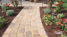 Watch to learn how to plan and install a paver walkway including preparing the base, block patterns and tips and tricks to make sure you get the project right the time. landschaftsbau steine hang How to Design and Install a Paver Walkway Garden Pavers, Paver Walkway, Garden Stepping Stones, Garden Path, Fenced Garden, Sloped Garden, Cobblestone Walkway, Outdoor Pavers, Shade Garden