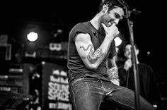 Adam Levine Maroon 5 Hd Wallpaper Wallpaper | WallpaperMine.com