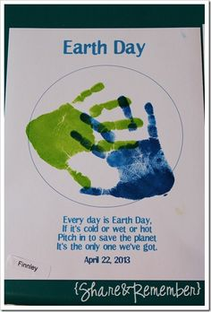 Handprint Art Discover Happy Earth Day Handprint Earth & Promise/Chant (from Share & Remember) April Preschool, Preschool Crafts, Crafts For Kids, Preschool Plans, Preschool Worksheets, Earth Day Projects, Earth Day Crafts, Earth Craft, Earth Day Activities