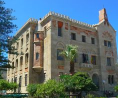 [Must see] #PalazzoFlorio #Favignana Any visitor to this fascinating island will see the majestic building of Palazzo Florio on the approach to the town centre from the ferry. It is well worth stopping to take a look at this very beautiful building and its lovely gardens. Once the residence of the Florio family who managed and owned the highly important tuna industry, it is now the seat of the local council and is used as an information centre for tourists. Visiting here will give good…