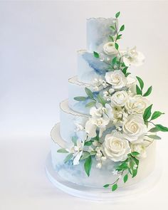 We just love cakes that incorporate the design of the wedding! Both delicious & gorgeous! 5 Tier Wedding Cakes, Wedding Cake Designs, Beautiful Wedding Cakes, Love Cake, Blue Wedding, Party, Desserts, Tulum, Destinations