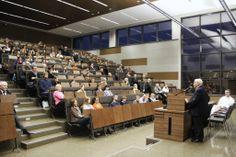 40-lecie miesięcznika: spotkanie z prof. Adamem Danielem Rotfeldem