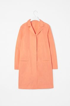 Similar to my gorgeous vintage raincoat #style