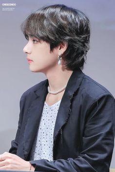 I love you Kim Taehyung I love you so goddamn much Jimin, Bts Taehyung, Bts Bangtan Boy, Seokjin, Hoseok, Namjoon, Daegu, Fansite Bts, Mullet Hairstyle