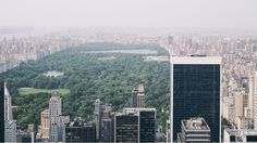 Central Park is an urban park in middle-upper Manhattan, New York City. Central Park is the most visited urban park in the United State. Central Park, New York Pas Cher, Voyage New York, Nyc, Belle Villa, Free Things To Do, San Francisco Skyline, 10 Years, New York City