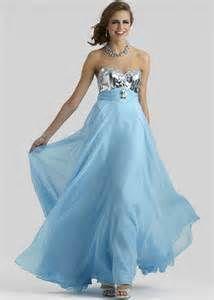 715168067ae8 20 najlepších obrázkov z nástenky Jedinečné spoločenské šaty
