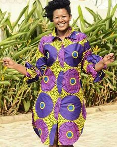 You can wear a straight Ankara shirt dress with a belt to emphasize the waistline. African Shirt Dress, Long African Dresses, African Print Shirt, African Print Dresses, African Fashion Ankara, Latest African Fashion Dresses, African Print Fashion, Africa Fashion, African Attire