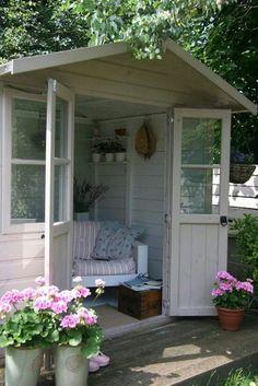 Beautiful and 🌸 charming English country garden shed / Garden Cabins, Garden Cottage, Home And Garden, Garden Art, Summer House Garden, Garden Nook, Diy Garden, Cottage House, Patio Pergola