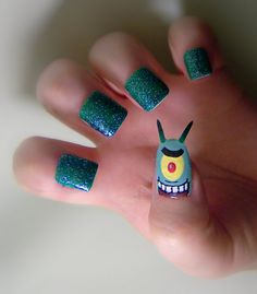 I love Spongebob, but come on people. Why do you put horrendous designs on your nails?