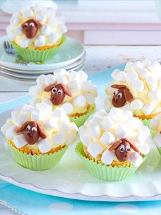 Toll dekoriert: Süße Schäfchen-Muffins
