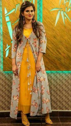 Best 12 Jacket Kurti with dori-latkan detailing. Kurti Neck Designs, Kurti Designs Party Wear, Blouse Designs, Jacket Style Kurti, Kurti With Jacket, Shrug For Dresses, Indian Gowns Dresses, Indian Designer Outfits, Designer Dresses