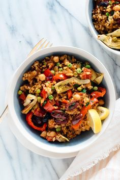 The best vegetable paella recipe! It's loaded with vegetables, chickpeas, and savory spiced rice.