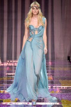http://www.style.com/slideshows/fashion-shows/fall-2015-couture/atelier-versace/collection/36